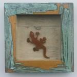 19. Gecko im Holzrahmen, antik 29,-