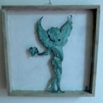 Engel mit Bronzepatina im Objektrahmen