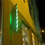 Stuttgarter  Bohnenviertel-Bohne, Lichtobjekt in der Weberstraße