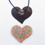 Sim1-Schmuckstück/Herz, ca. 6cm, Kupfer veredelt, am Lederband, 27,-